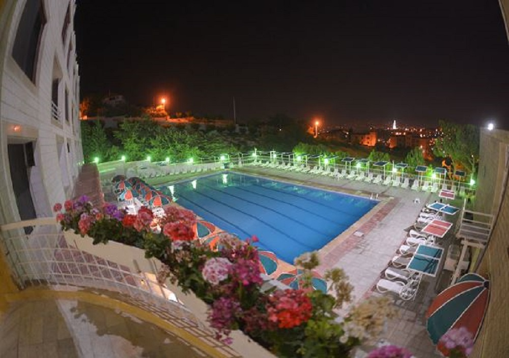 SUNNYLAND zahle, the perfect destination to relax and unwind all year long!